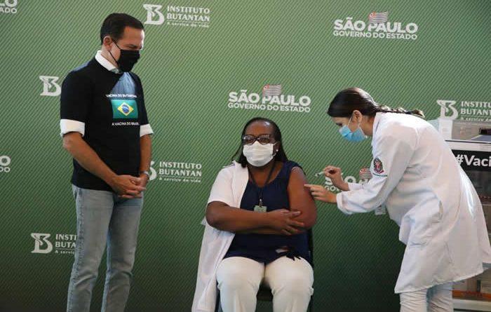 São Paulo inicia vacinação contra COVID-19